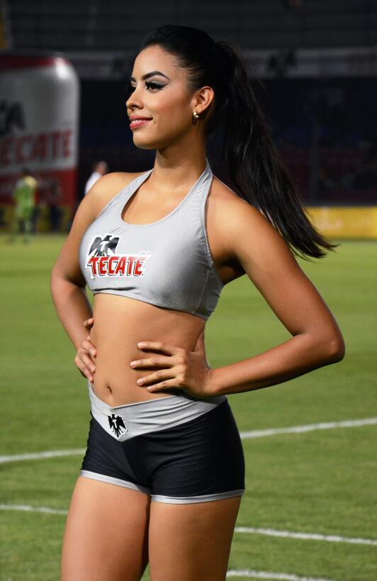 La belleza de la Liga MX presente en la Jornada 10 20170411_2838.jpg