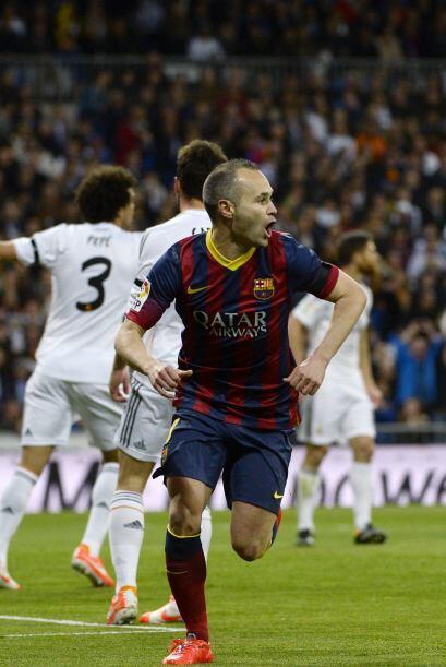 Iniesta (9): Autor del primer gol de su equipo. Puso la magia del Barcel...