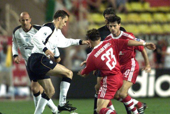La edición del 2001 sería una feria de goles en la que el Liverpool se i...