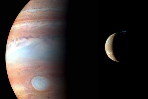 New Horizons capturó la imagen de Jupiter y su luna volcánica cerca de 2...