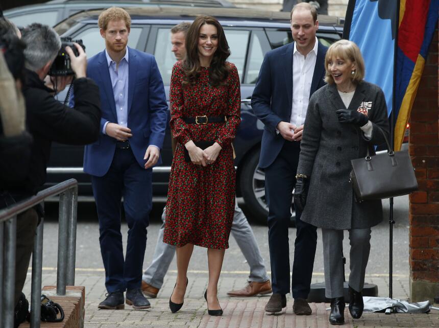 Los 50 mejores vestidos que usó Kate Middleton en 2016 GettyImages-63025...