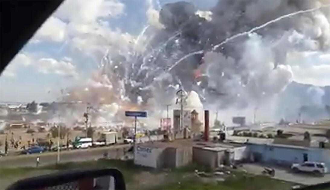 At least 36 dead in Mexico City fireworks market explosion, Dec 20, 2016