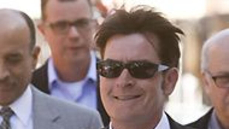 Charlie Sheen se declaró inocente de todos los cargos en su contra feaf0...