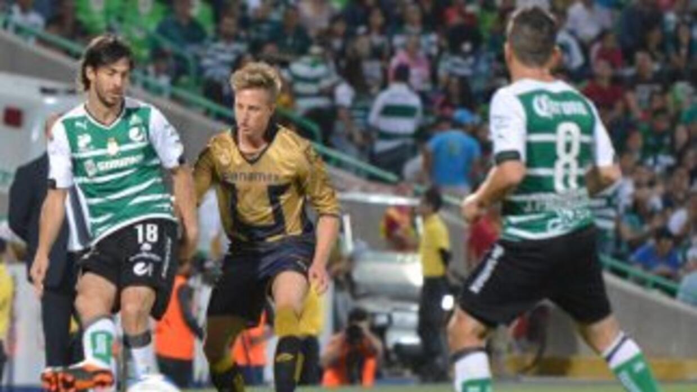 Santos y Pumas se ven las caras en la fecah 14.