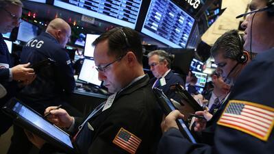 Wall Street cierra nuevamente con pérdidas en línea con la turbulencia e...