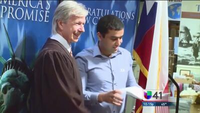 Juez genera controversia al hablar de Trump en una ceremonia de ciudadanía en San Antonio