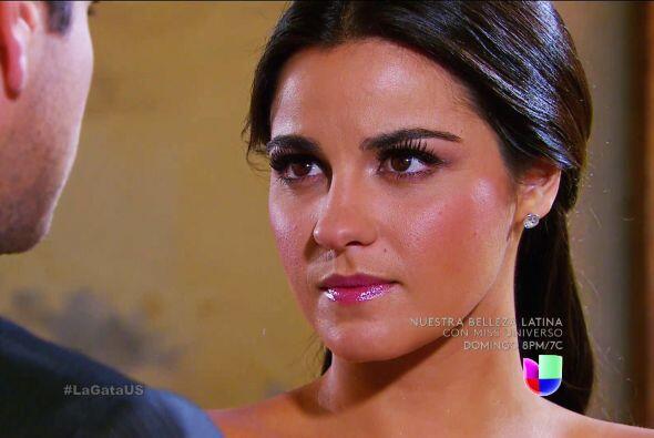 Y tú no te quedas atrás Esmeralda, has llegado al altar con el amor de t...