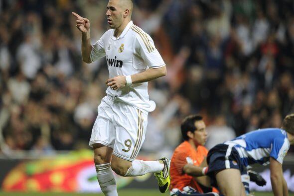 Antes que finalice el primer tiempo, Benzemá marcó el 3 a 0.