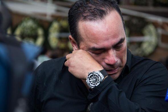 A Federico Figueroa, hermano de Sebastian, se le vio varias veces muy af...