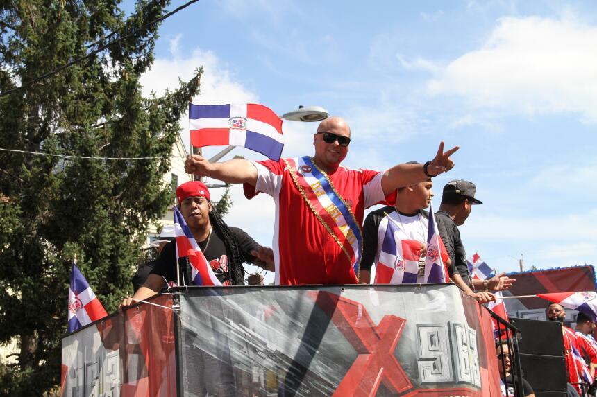 Celebra La X en el Desfile Dominicano en NJ IMG_1829.JPG