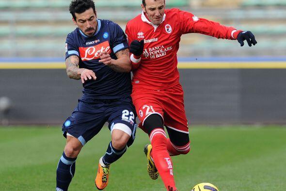Otro duelo de suma importancia fue el Napoli ante el Bari.