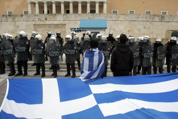 """Con este programa, Grecia recibirá un préstamo de 130 mil millones de e..."
