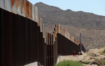 Donald Trump propone usar paneles solares en el muro fronterizo para que...
