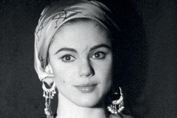 28- Edie Sedgwick.  La bella actriz murió en el año 1971 de una potente...