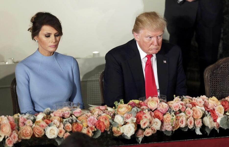 In photos: President Trump is sworn in 2017-01-20T192554Z_773290802_HT1E...