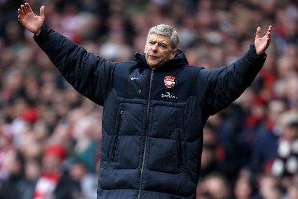 Mientras que Wenger, del Arsenal, mandó a sus dirigidos al ataque pero s...