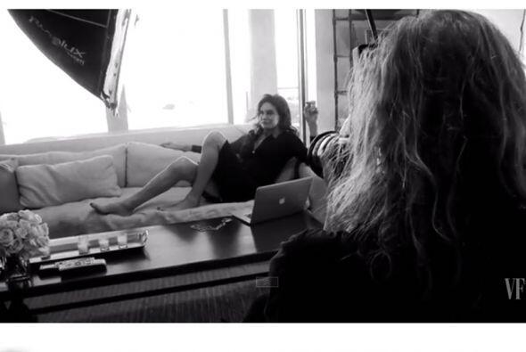 De manera elegante se realizó la sesión fotográfica en su mansión de Mal...