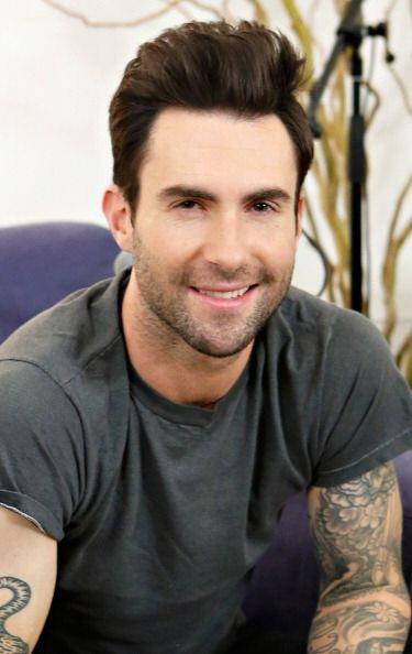 Considerado como el hombre vivo más sexy del 2013, tenemos a Adam -Levin...