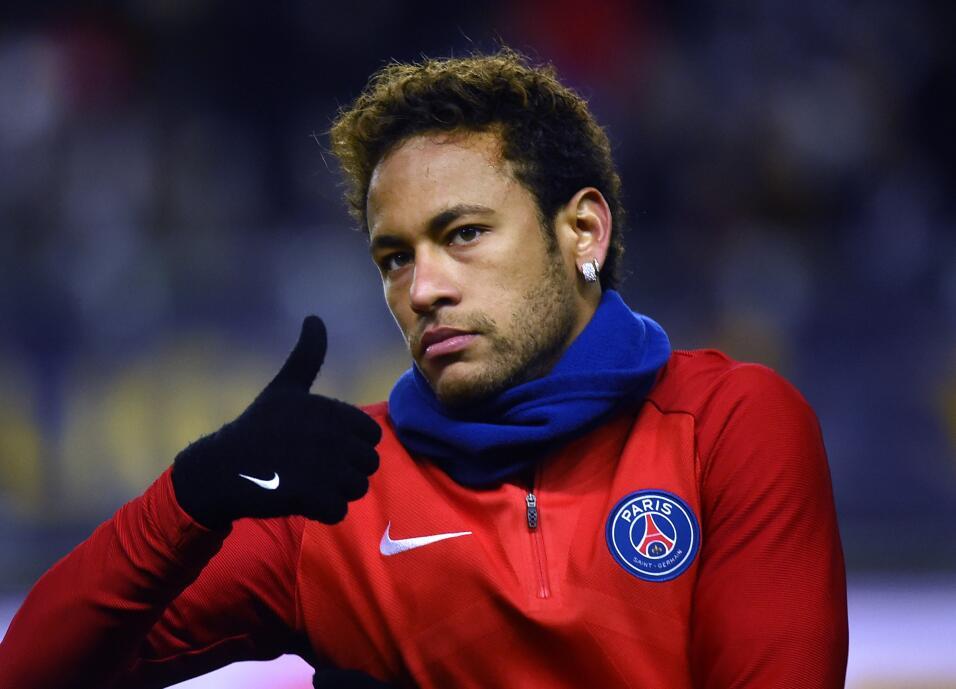 La más reciente locura del mercado fue el fichaje de Neymar por e...