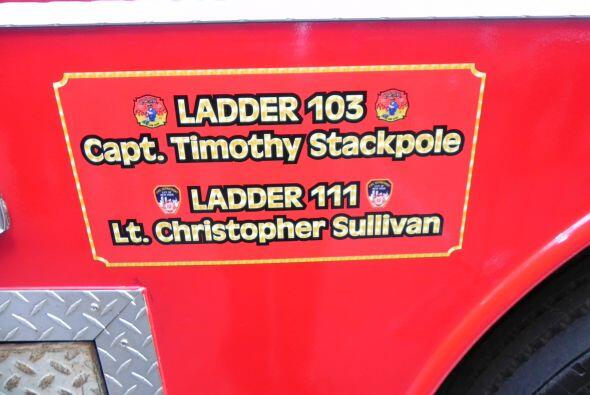 Carro bombero recuerda a sus caídos el 9/11 0e9e0dae890f4bd3991c5f2fa349...