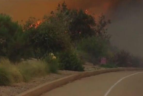Los incendios en sur de California brotaron a consecuencia de las altas...