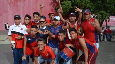 En fotos: Los fanáticos de Veracruz listos en el Pirata Fuente para abrir la jornada 3