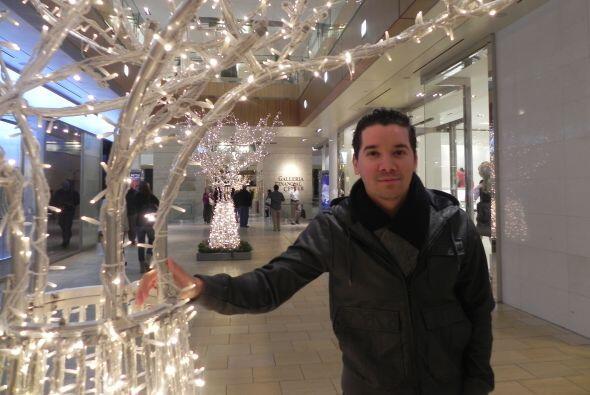 Una navidad, cuando El Chamo ya vivía en Estados Unidos se propusó ser u...