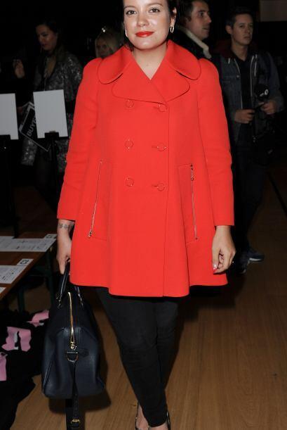 Hasta Lily Allen mostró los mismos colores pero los resaltó con unos zap...