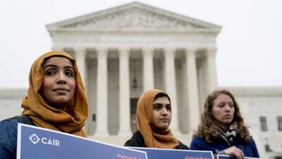 Cuando la Corte Suprema habla todos protestan, un ritual en el corazón de Washington DC (fotos)