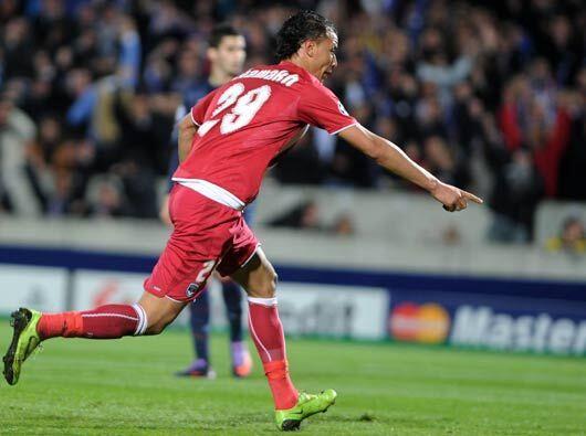 Y Chamakh marcó el 1-0, con el que la eliminatoria lucía menos complicada.