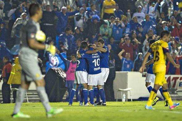 7.- En el partido de ida, con gol del 'Chaco' Giménez al minuto 19, Cruz...