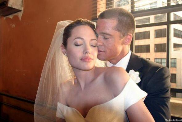 Brad Pitt  por su parte usó un traje de su clóset y una corbata de uno d...