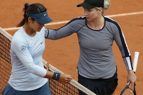 La china Na Li (izq), campeona de Roland Garros en 2011, no pudo superar...