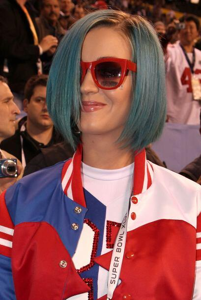El cabello azul de Perry siempre levantando polémica