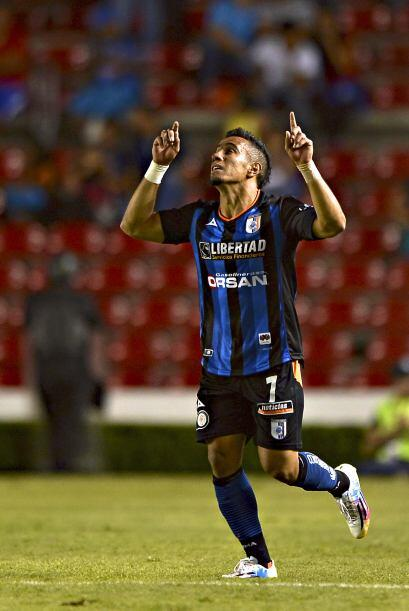 Camilo Sanvezzo: El brasileño se encargó de la mitad de los tiros de los...