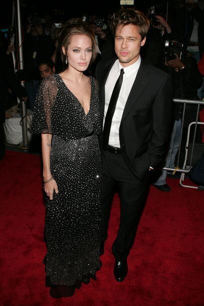 En diciembre de 2006 en una gala, junto a Angelina. (¿Estarían aburridos?)