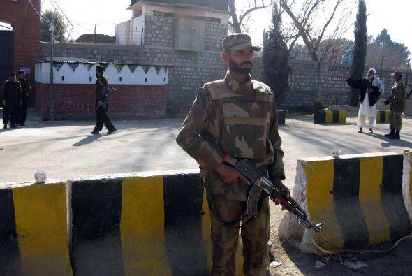 El ataque suicida registrado en Pakistán dejó al menos 43 muertos y 72 h...