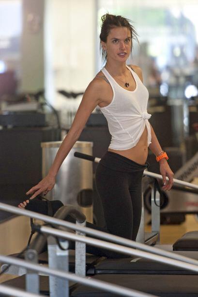 Varias veces hemos captado a Alessandra Ambrosio en el gimnasio haciendo...