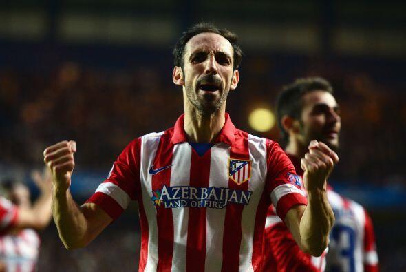 Juanfran (8): Su lateral derecho fue el radio de acción de Eden Hazard,...