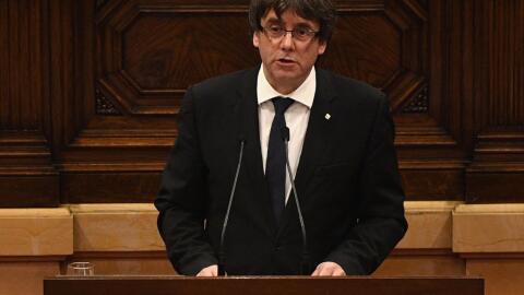 Carles Puigdemont, presidente de Cataluña, durante su intervenci&...