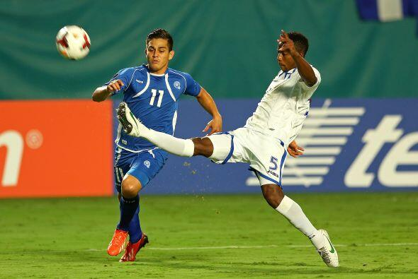 El Salvadoreño Rodolfo Zelaya ha hecho goles de este estilo en más de un...
