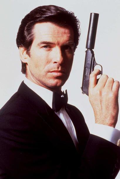 "En 1995 hizo su debut en ""GoldenEye"" como James Bond y el sueldo que obt..."