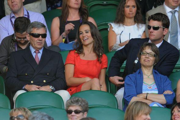 Pippa portaba el mismo vestido rojo con el que fue fotografiada ¡u...