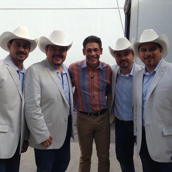 """""""Foto para el recuerdo con mis amigos del @grupo_pesado que estuvie..."""