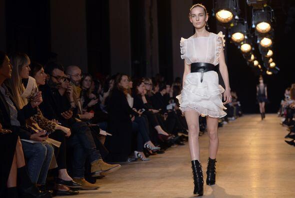 La diseñadora Isabel Marant entró en esta tendencia con accesorios de cu...