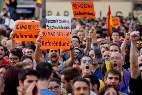 Mientras que en la plaza de Catalunya en Barcelona se reunieron unas 5,0...