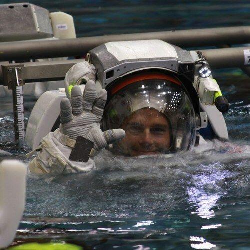 Reid Wiseman es un astronauta estadounidense en su primer misión...