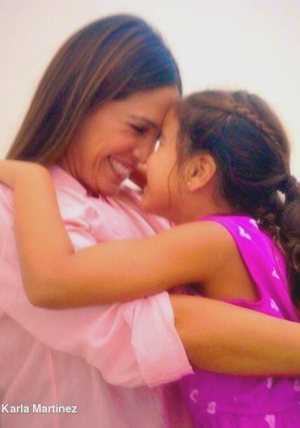 """""""¡Gracias mi muñequita linda por 6 años llenos de tu amor y tu sonrisa!..."""
