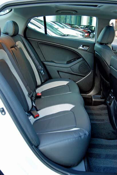 Sus proporciones ofrecen un espacio considerable para los pasajeros tras...