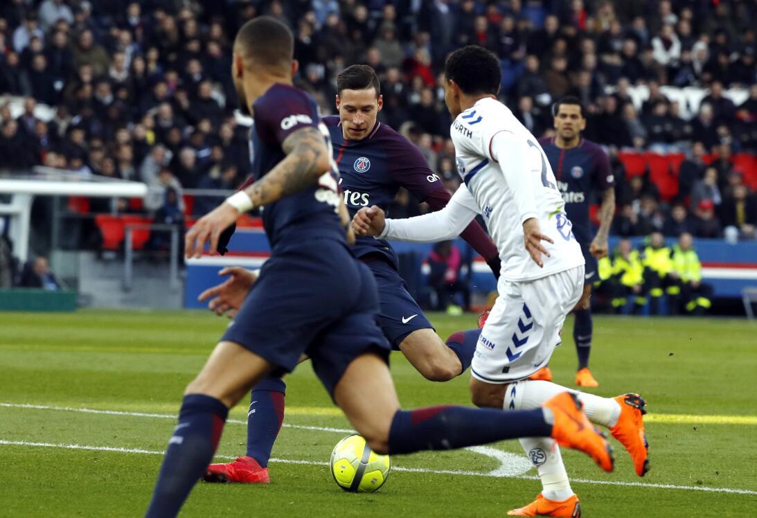 El Strasbourg fue la víctima del PSG para tomar ánimo después de perder...